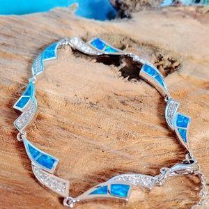 🆕⛱️ Blue Fire Opal Bracelet